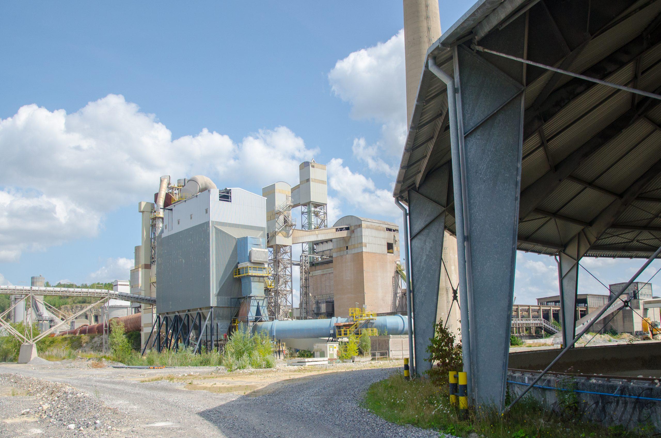 ENCI fabriek aan de voet van de Sint-Pietersberg bij Chalet D'n Observant