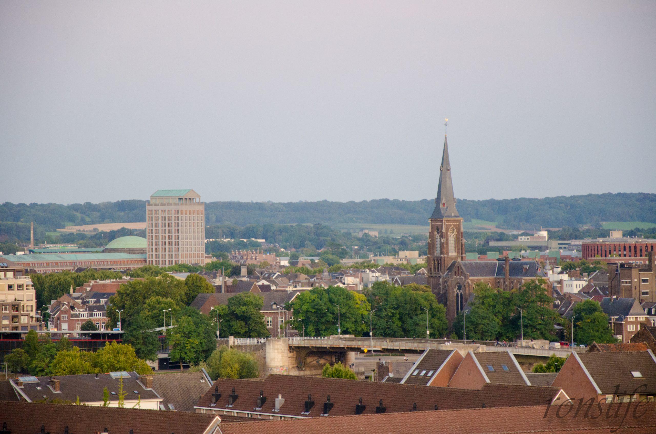 Uitzicht vanaf Rooftopbar Bolt