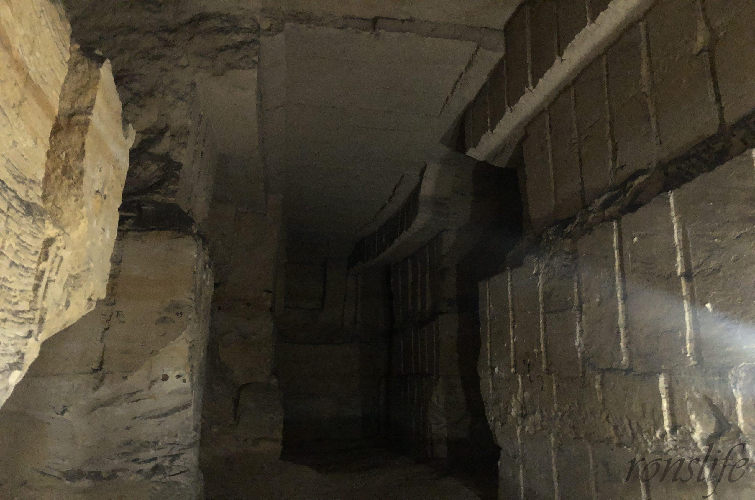 Zo donker is het in het gangenstelsel van de Sint-Pietersberg